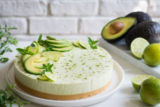 Cheesecake dolce avocado e lime